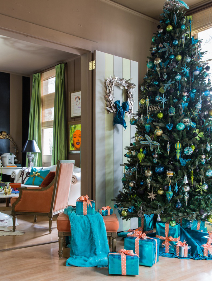 view in gallery - Turquoise Christmas Tree Decorations