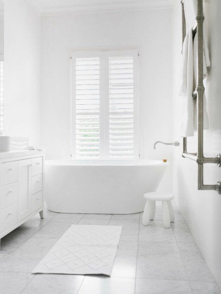 White Bathrooms Can Be Interesting Too - Fresh Design Ideas