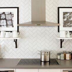 White Backsplashes kitchen subway tiles are back in style – 50 inspiring designs