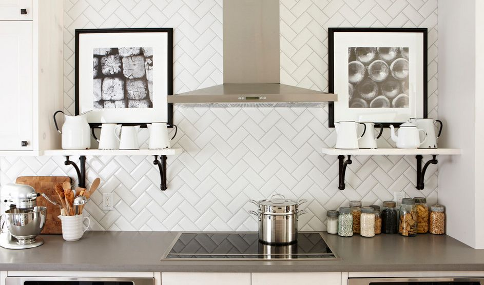 Kitchen Backsplashes Dazzle With Their Herringbone Designs