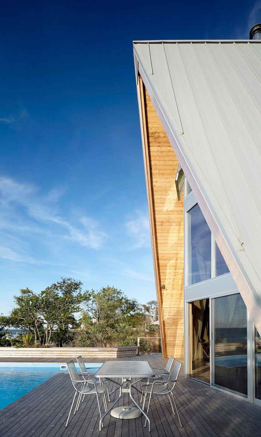 A-Frame-beach-house-outdoor-deck