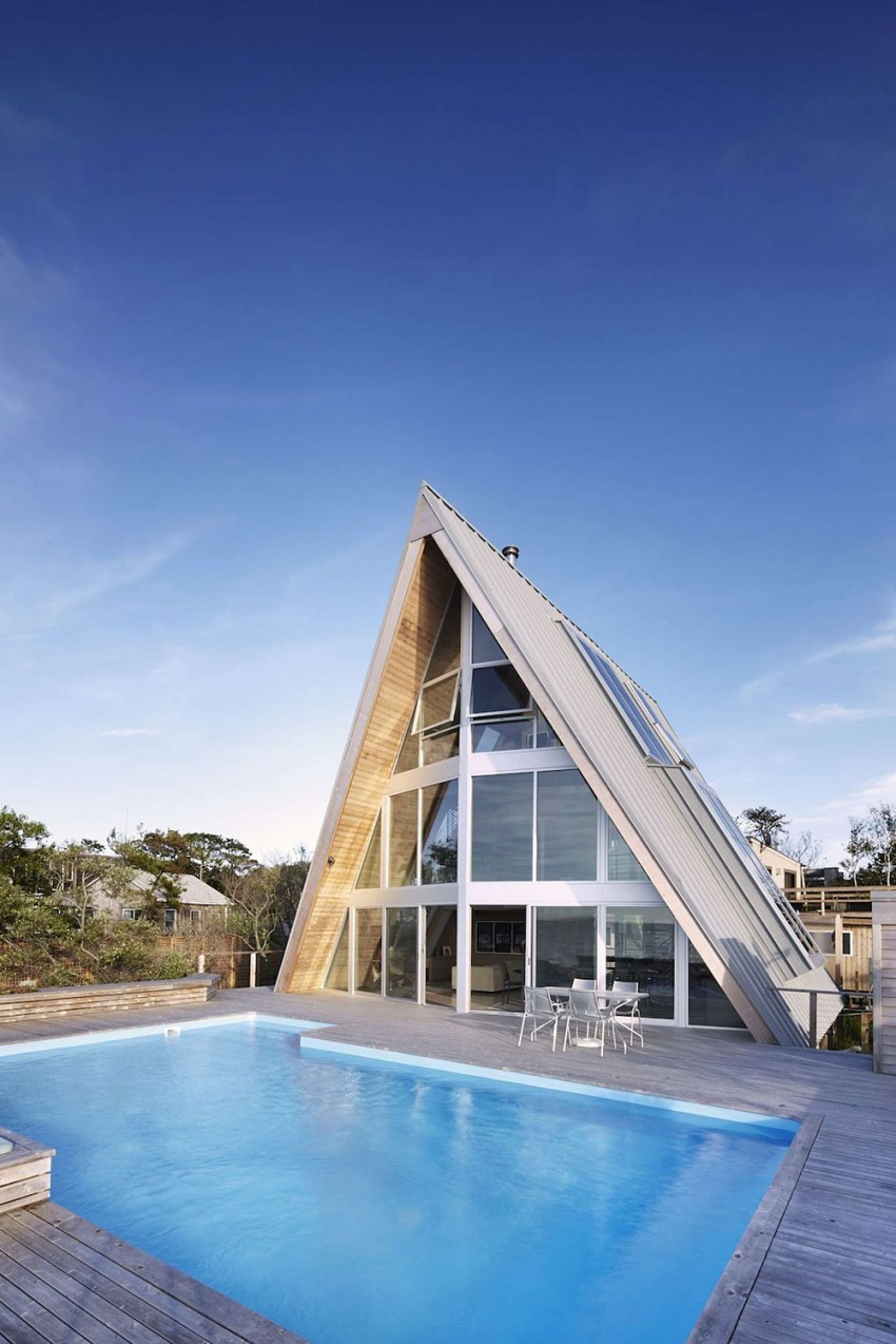 A-Frame-beach-house-pool-area