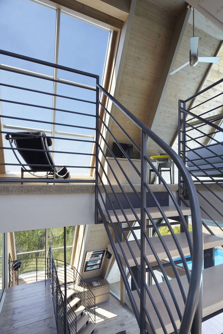 A-Frame-beach-house-staircase