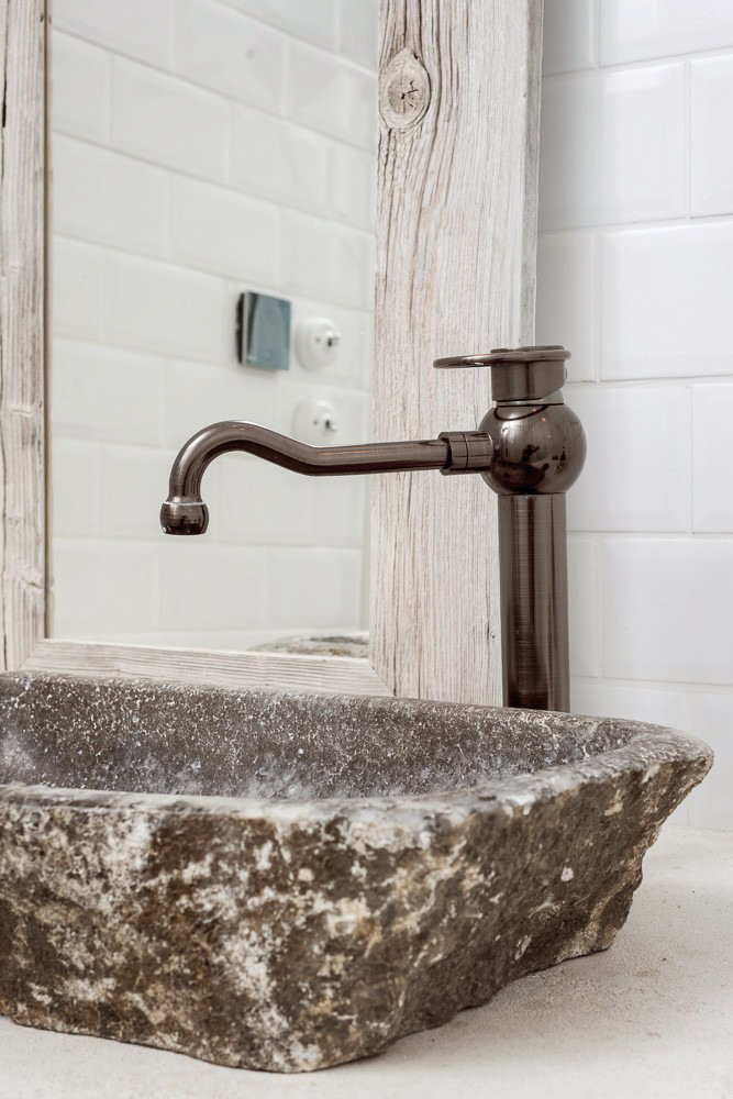 BOOOOX-Barn-bathroom-wasbasin