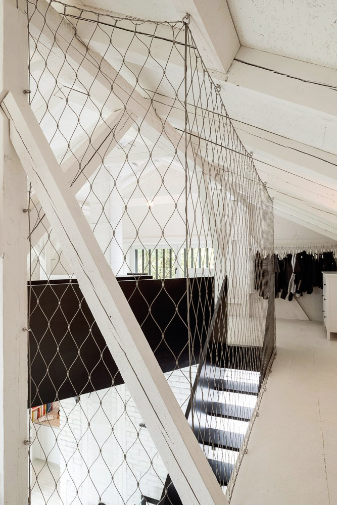 BOOOOX-Barn-loft-steel.netting