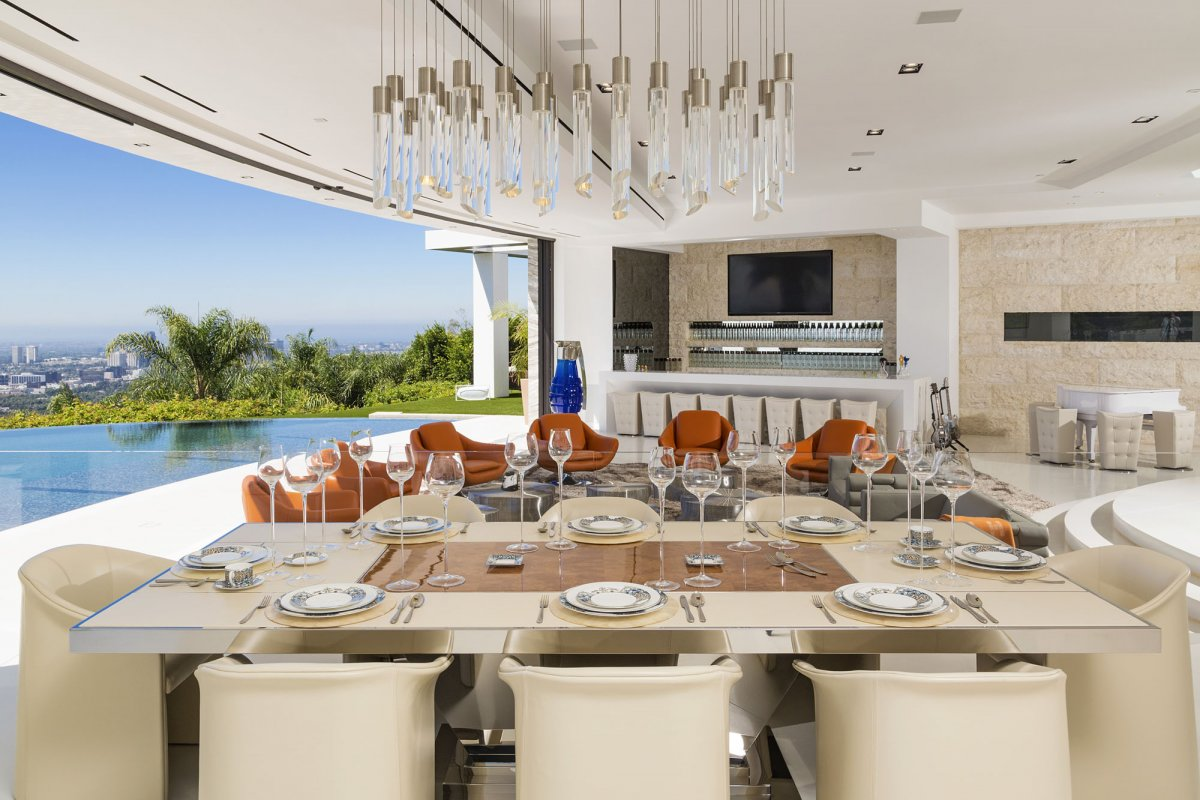 Beverly-Hills-mansion-dining-room
