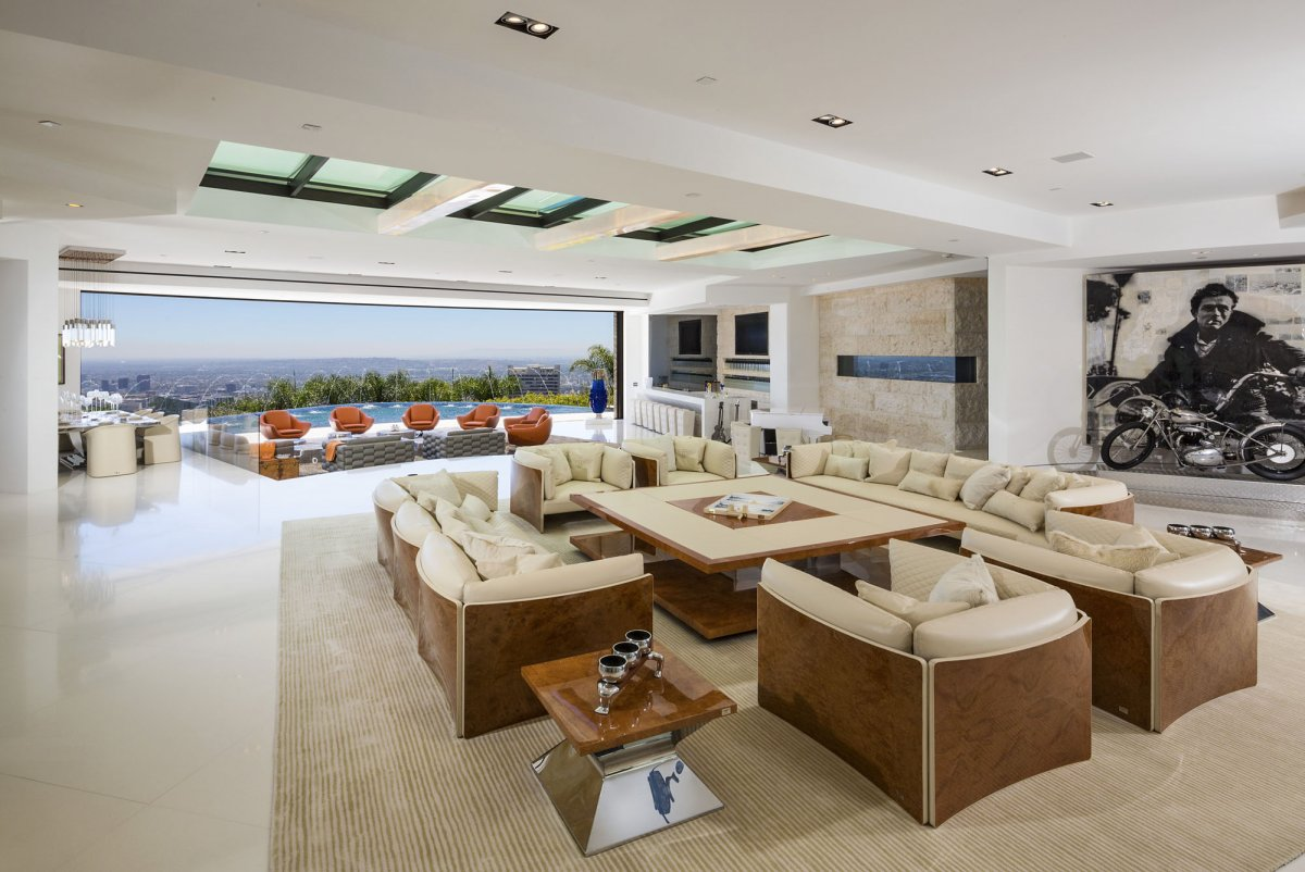 Beverly-Hills-mansion-living-room