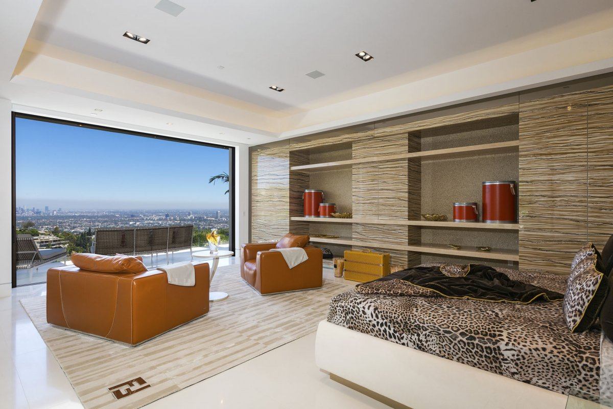 Beverly-Hills-mansion-master-bedroom