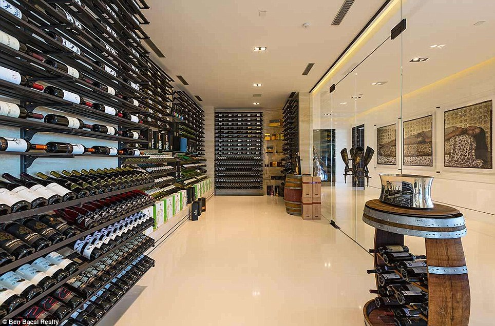 Beverly-Hills-mansion.wine-cellar2