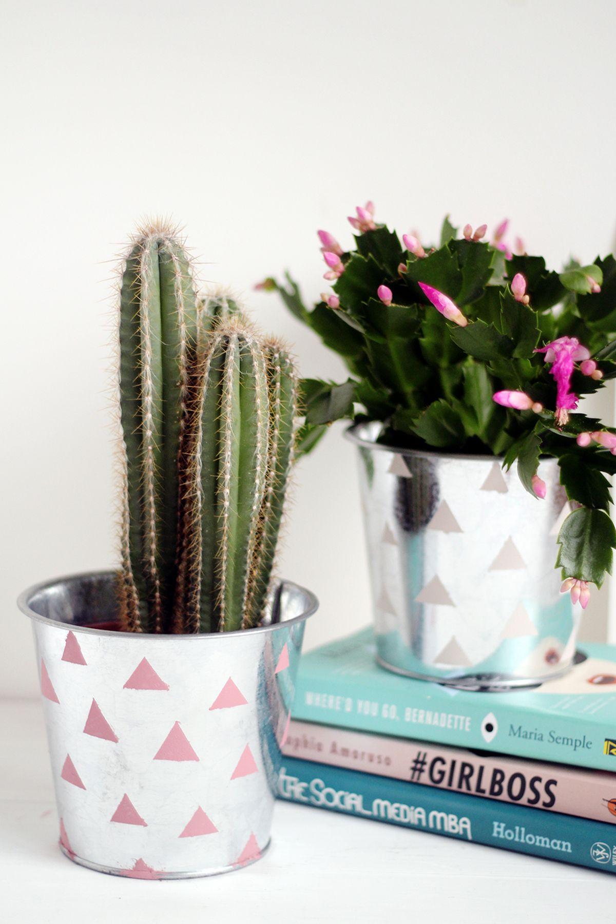 Simple Galvanized Plant Bucket Hack