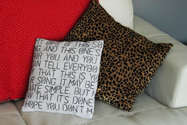 Simple DIY Valentine Gift: Farmhouse Text Throw Pillow