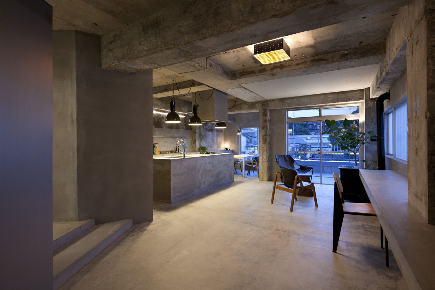 Concrete house with raw beauty and an eye for fashion for Concrete floors in house