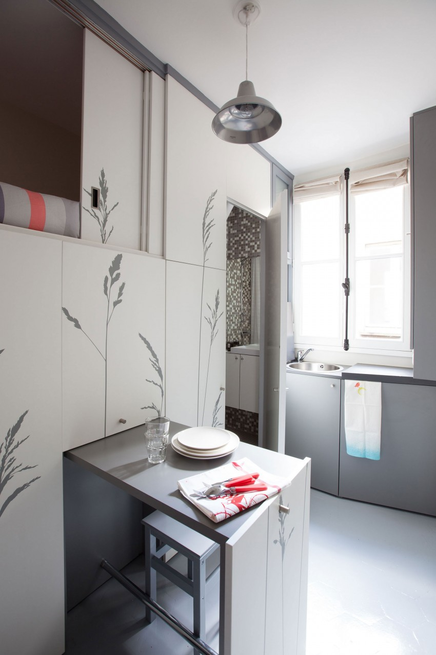 Tiny-Apartment-in-Paris-kitchenette-jpg