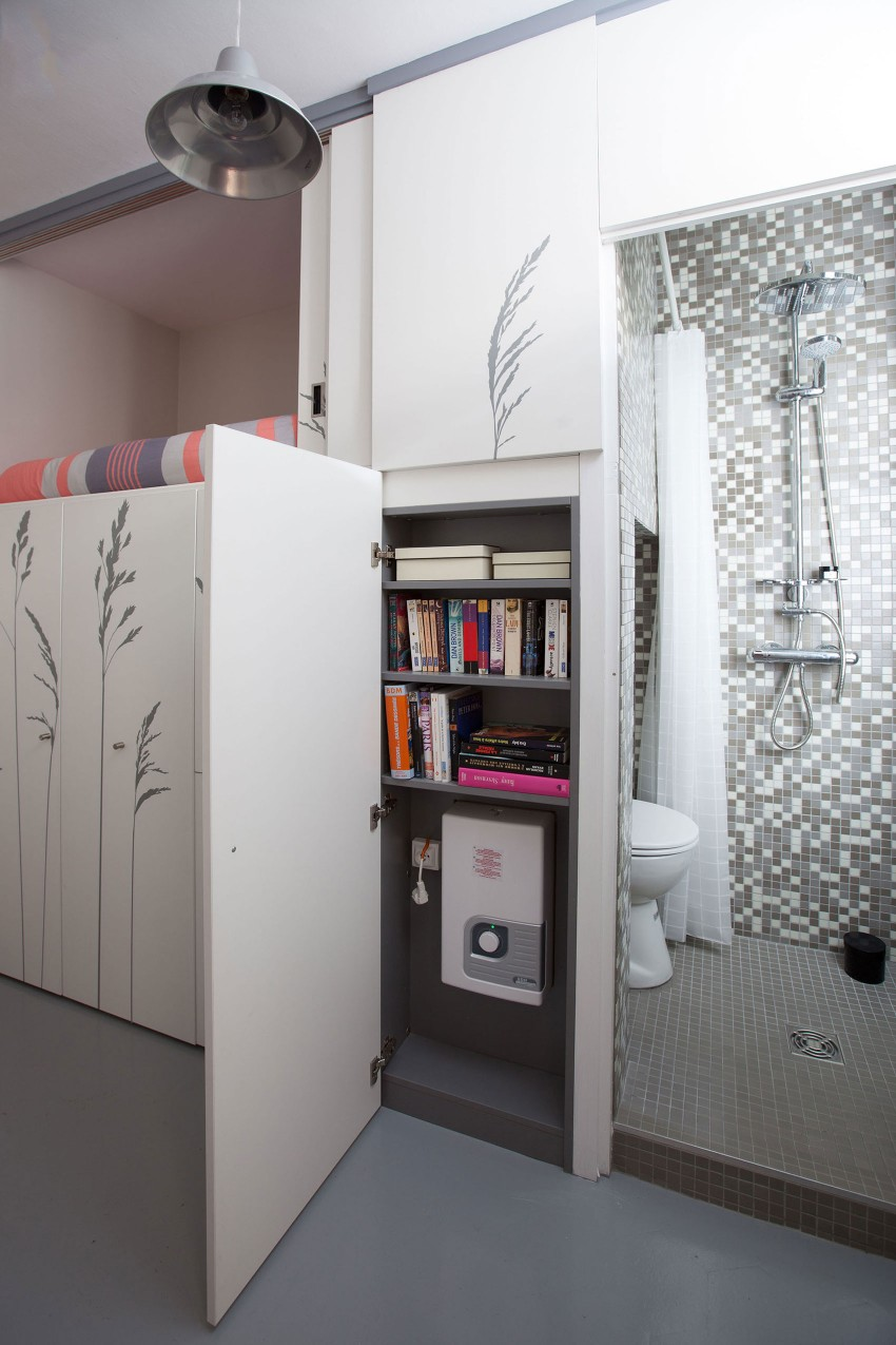 Tiny-Apartment-in-Paris-shallow-storage-area