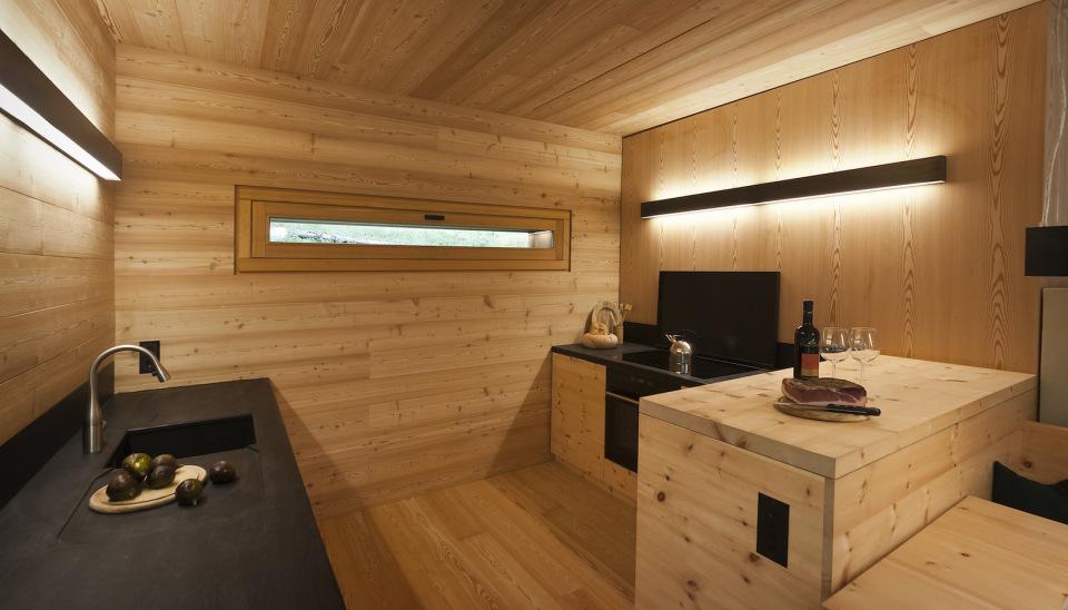 Tyrol-alpine-lodge-kitchen-furniture