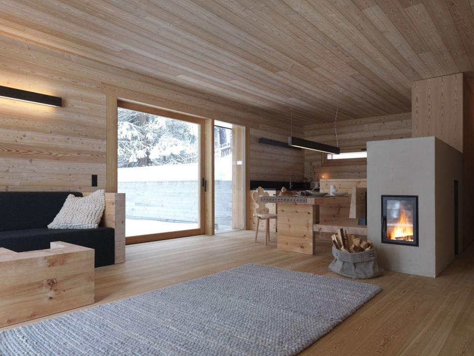 Tyrol-alpine-lodge-kitchen-nook