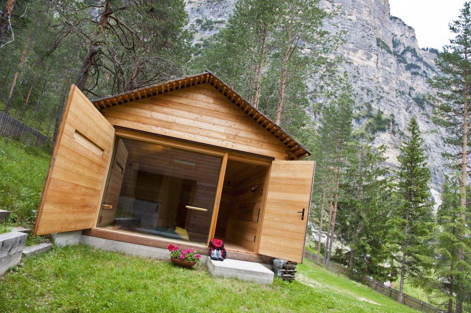 Tyrol-alpine-lodge-opened-wall-and-door