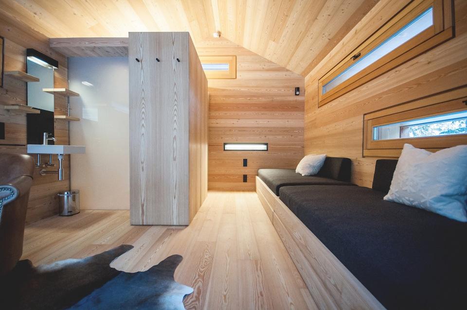 Tyrol-alpine-lodge-studio-interior