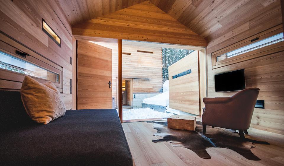 Tyrol-alpine-lodge-studio-opened-wall