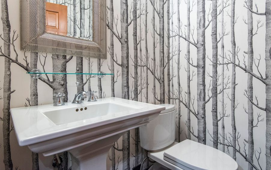 Nature depicted on your walls birch tree wallpaper for Bathroom wallpaper designs