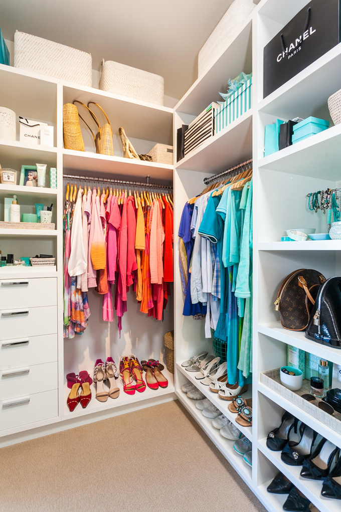 beach-house-walk-in-closet