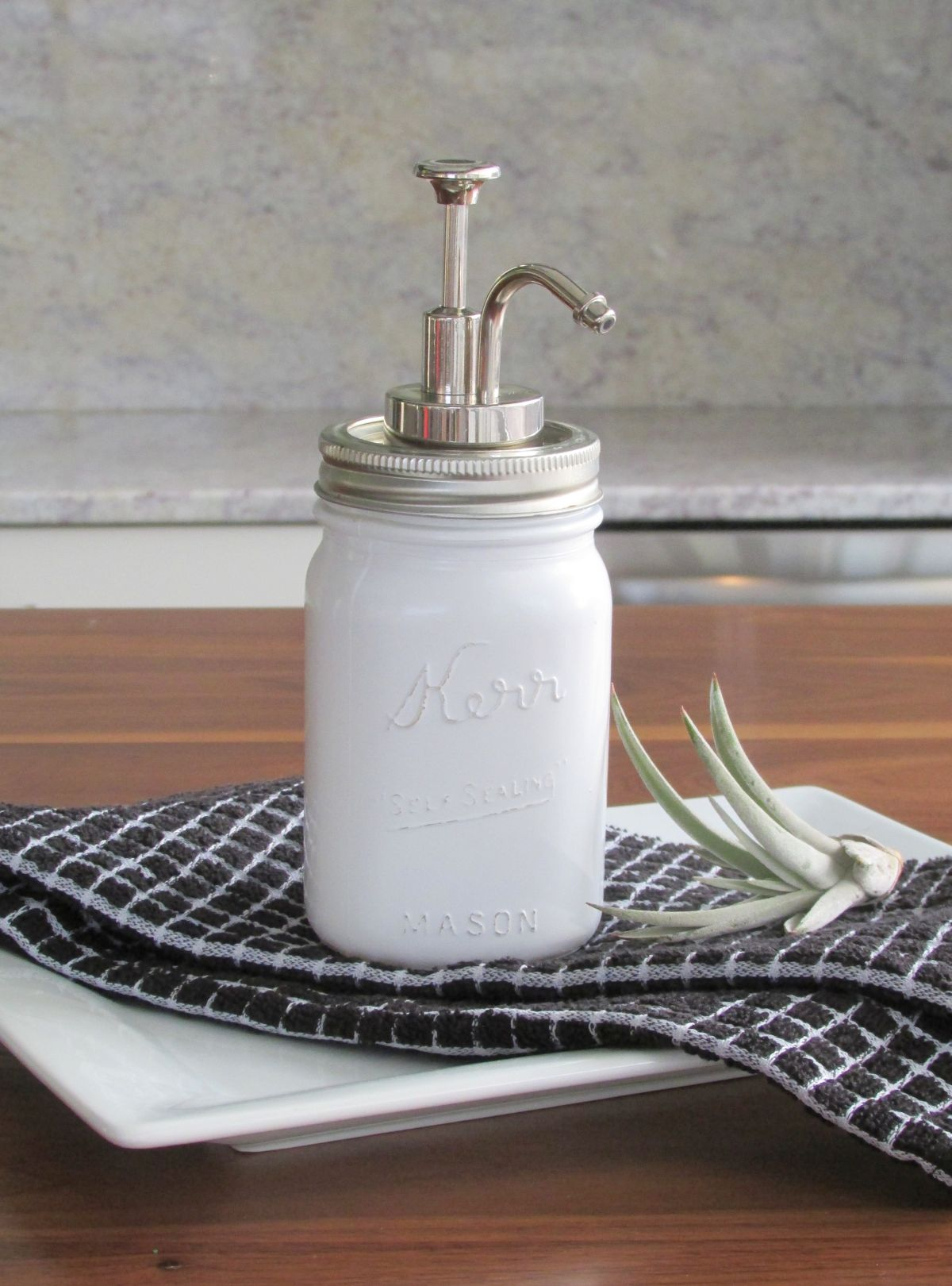 View in gallery DIY Mason Jar Soap