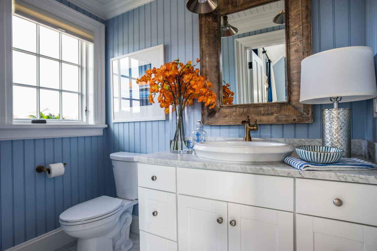 Good colors for bathrooms with ivory fixtures - Warmed Up Grey Blue And White