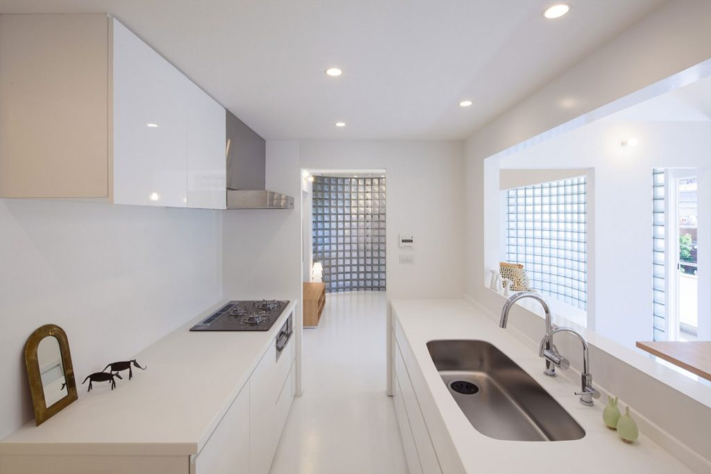 Japanese inspired kitchens focused on minimalism for Japanese minimalist house design