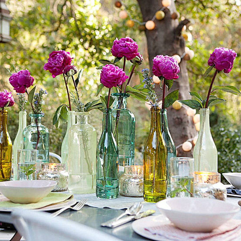 Party table decorating ideas how to make it pop for Patio table centerpiece ideas