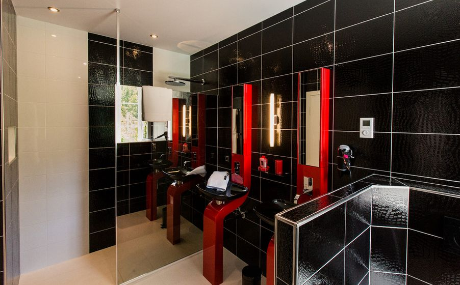 30 bathroom color schemes you never knew you wanted for Bathroom ideas red and black