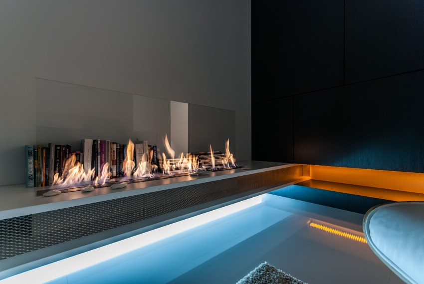 Amazing-Slovakian-loft-fireplace2