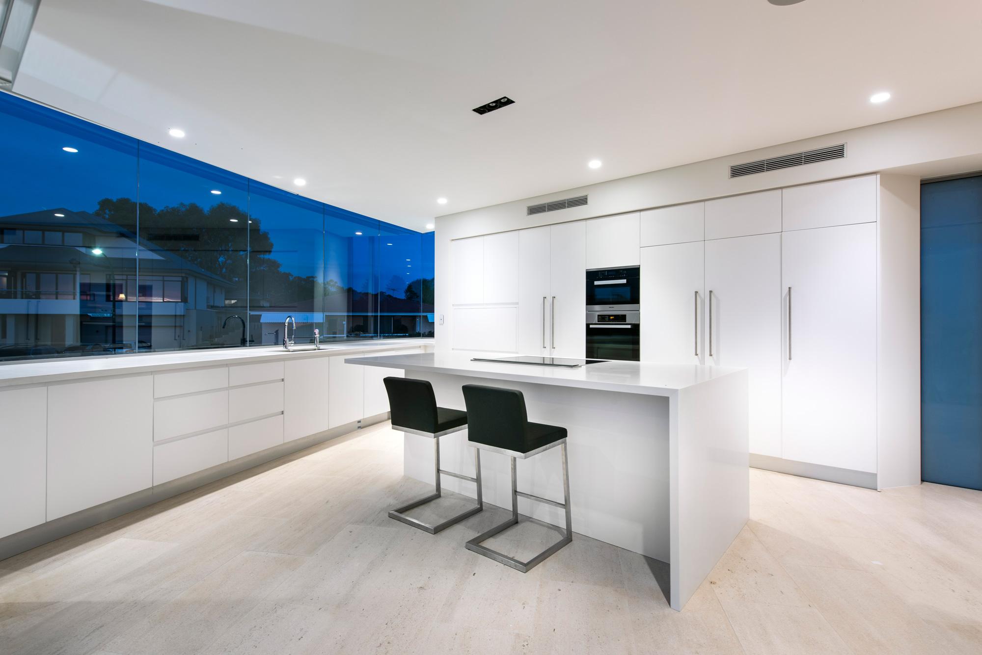 City-Beach-residence-kitchen