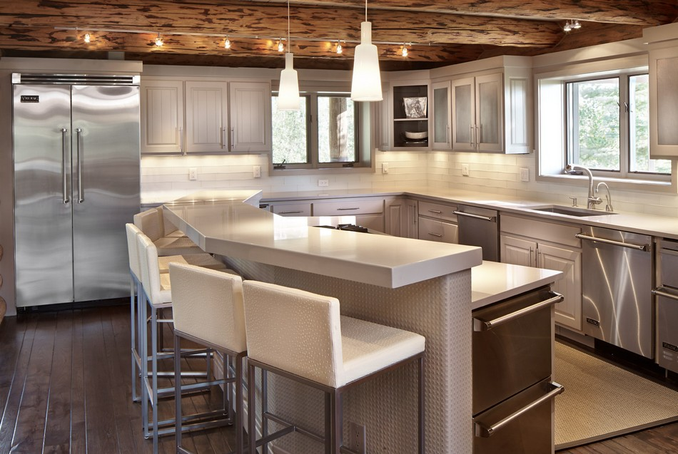 Colorado-log-cabin-kitchen-island
