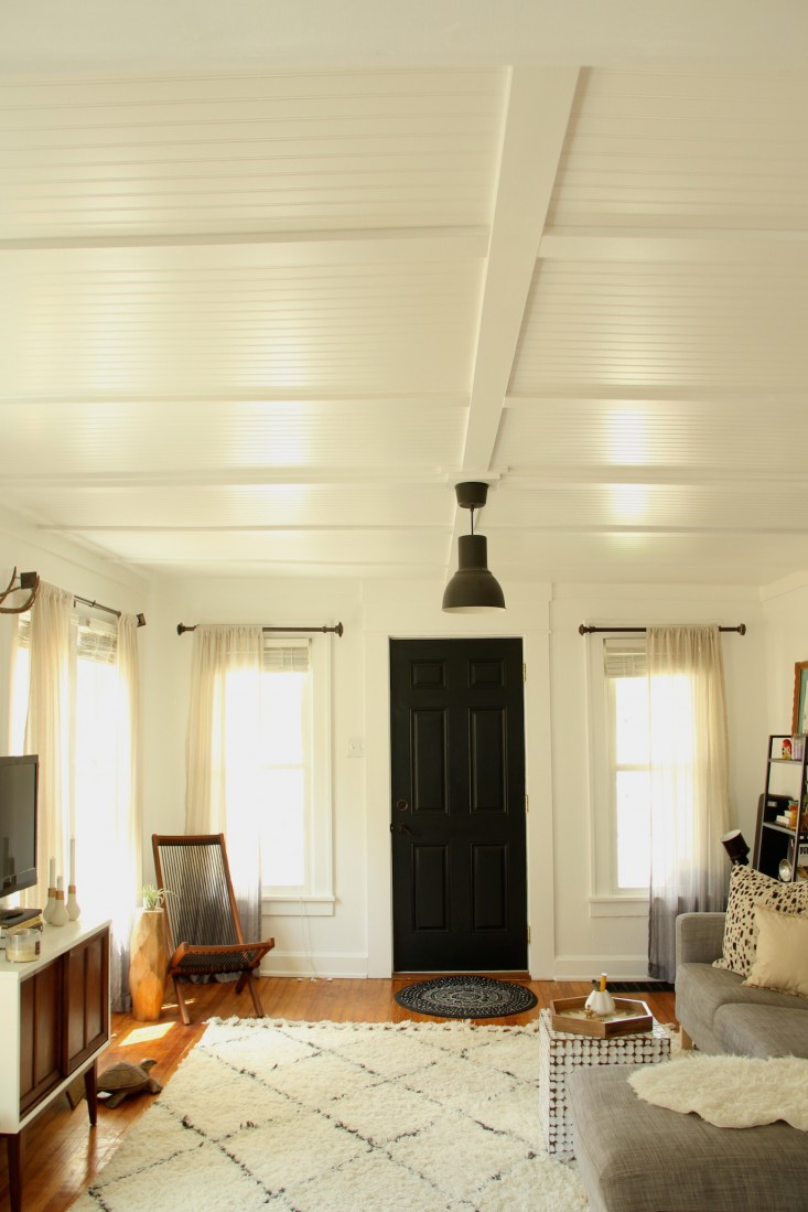 10 real life examples of beautiful beadboard paneling for Living room 4x4
