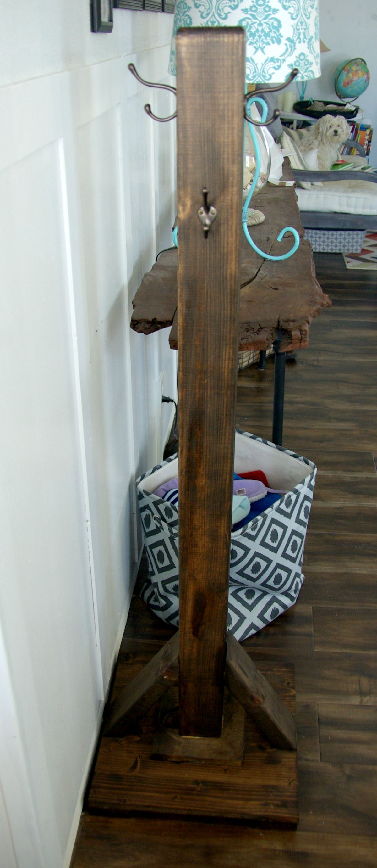 Delightful DIY Wood Coat Rack