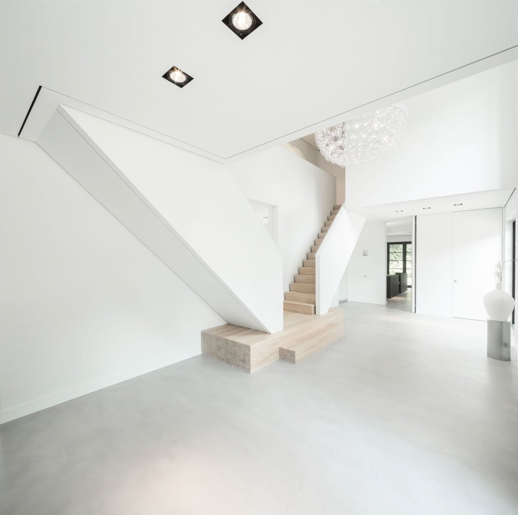 Huizen-modern-country-home-entrance