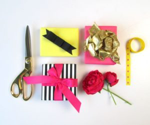 3 Beautiful Ways Of How To Tie a Bow With Ribbon