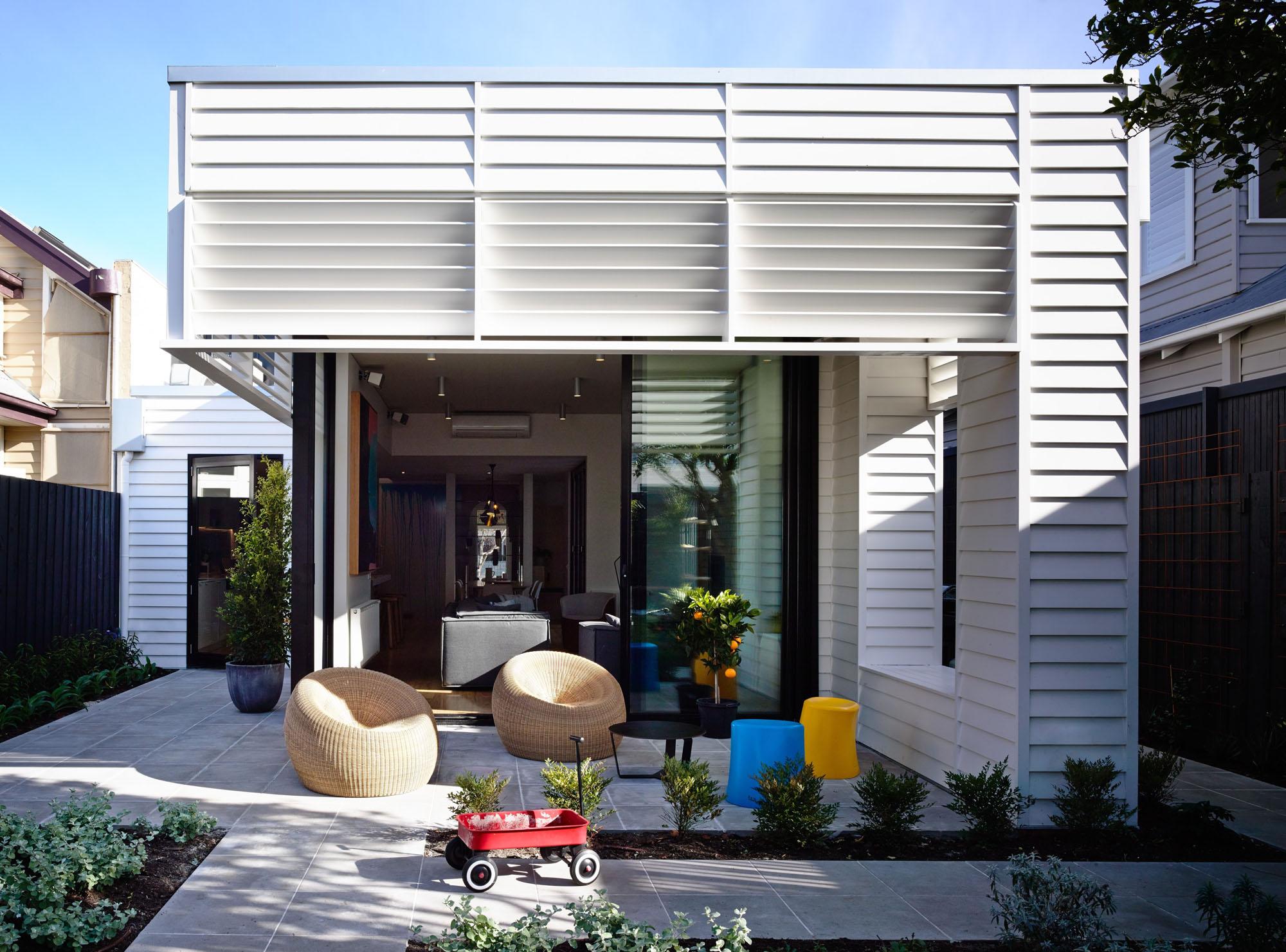 Sandringham-Residence-exterior-living-space