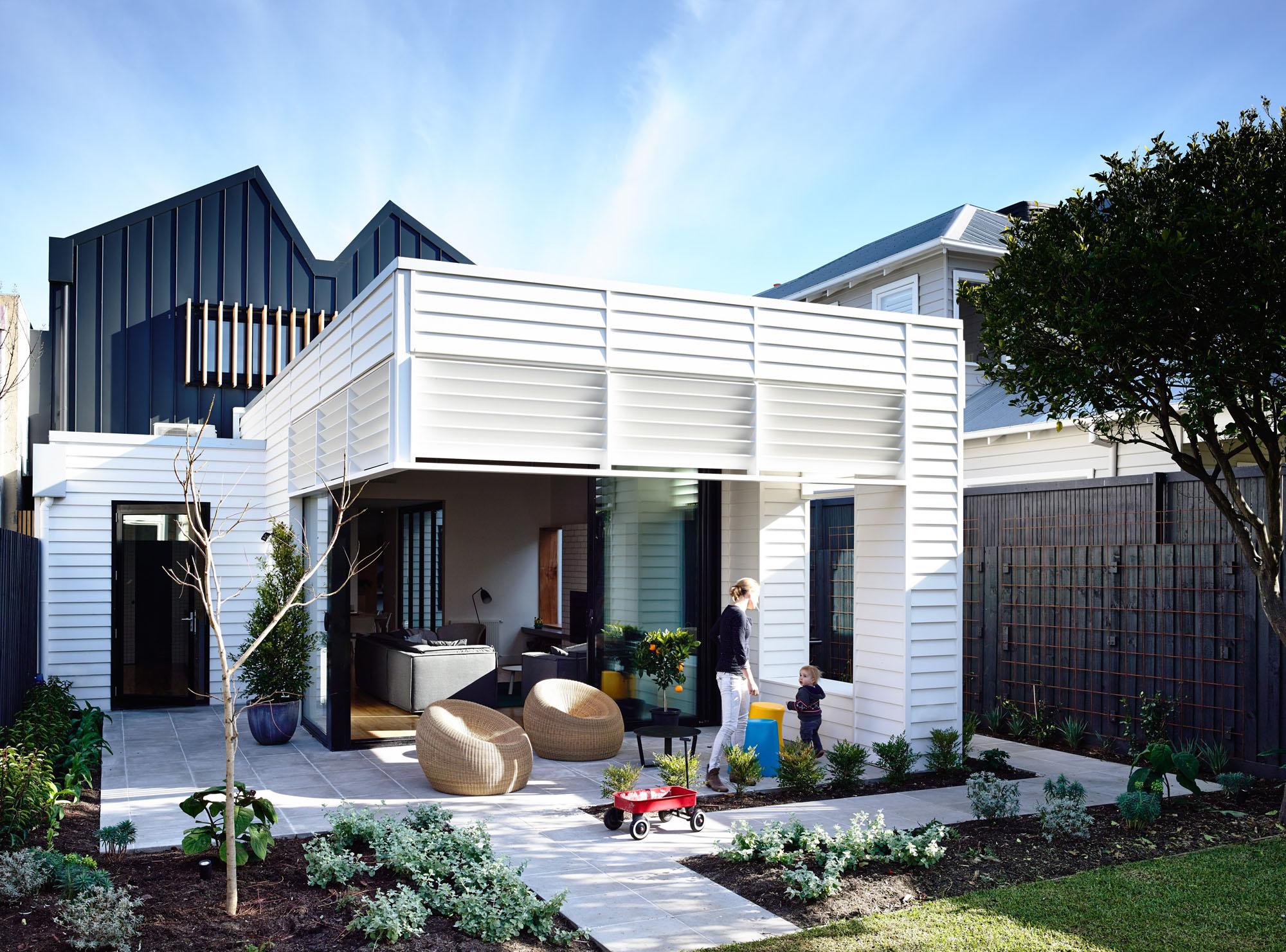 Sandringham-Residence-rear-extension.view