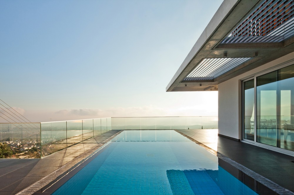 cyprus-residence-swimming-pool