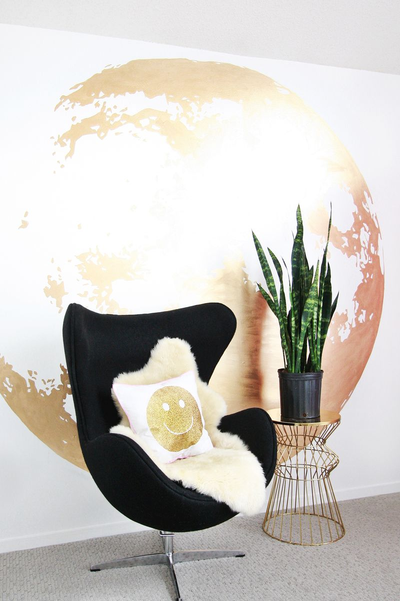 10 pieces of bold powerful and large wall art for the home 1 golden moon solutioingenieria Gallery