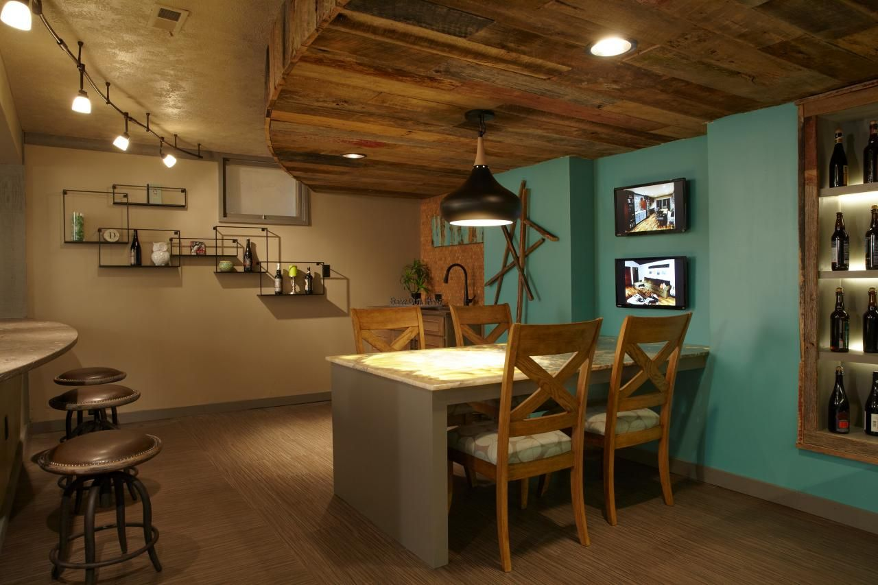 Spice up your basement bar 17 ideas for a beautiful bar space for Design my basement online free