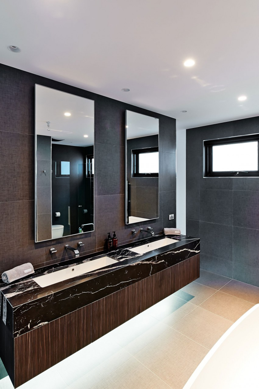 Sophisticated Family Residence Following A Timeless Aesthetic