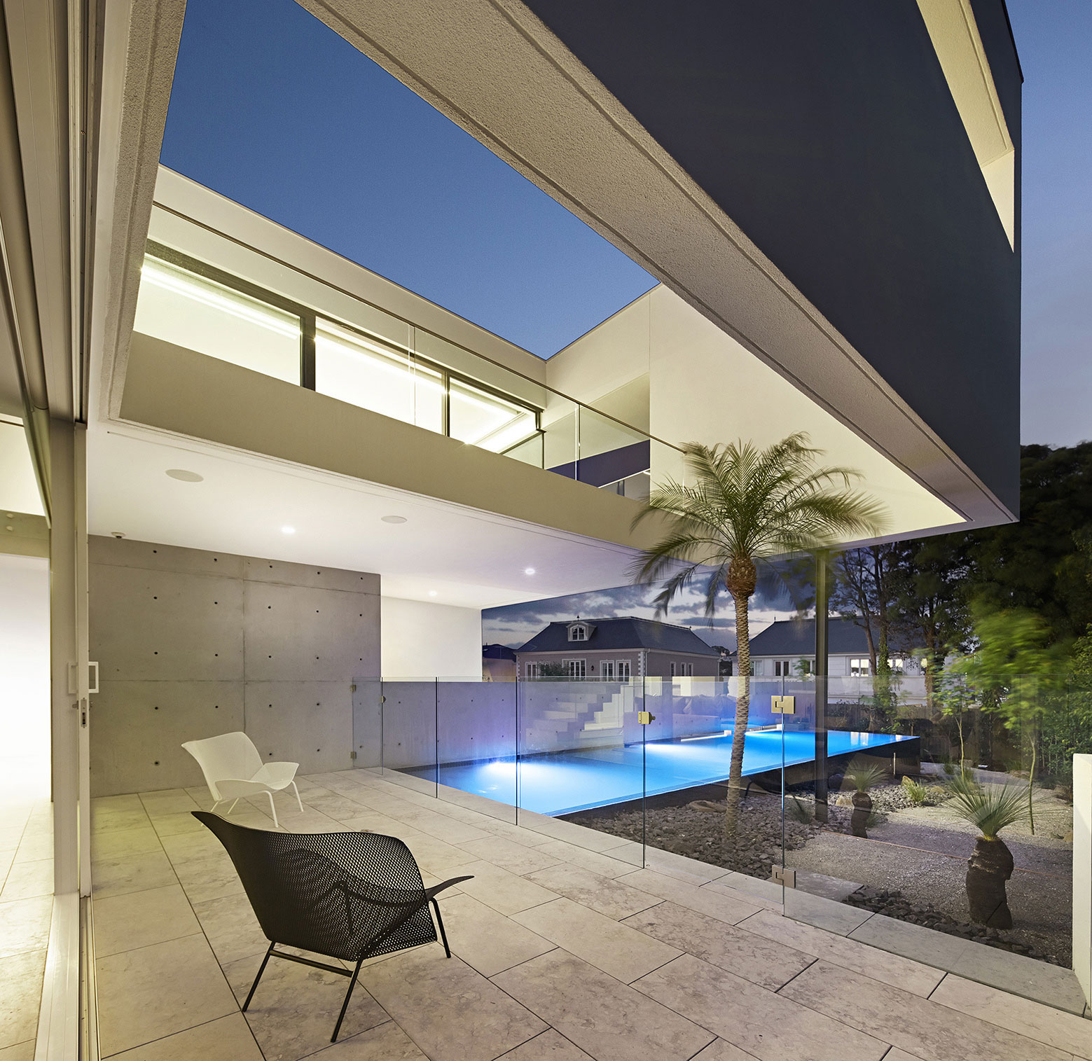 Spectacular Residence Connects To The Sky Through Voids