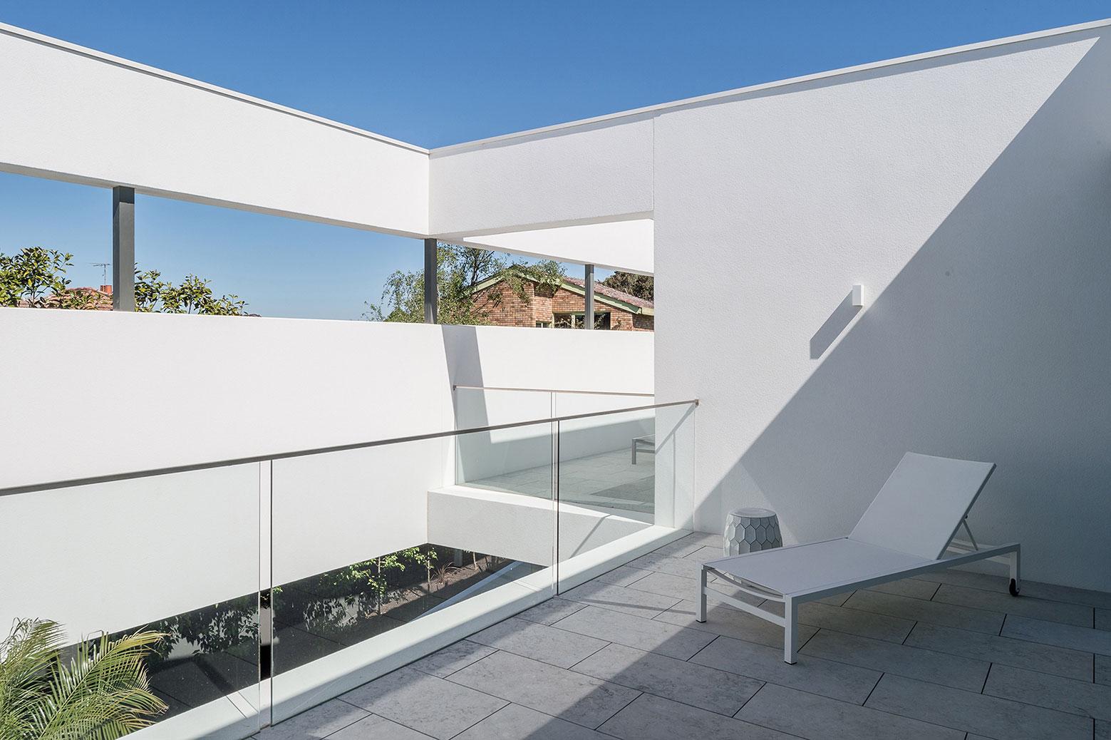 Boandyne-House-large-void-terrace