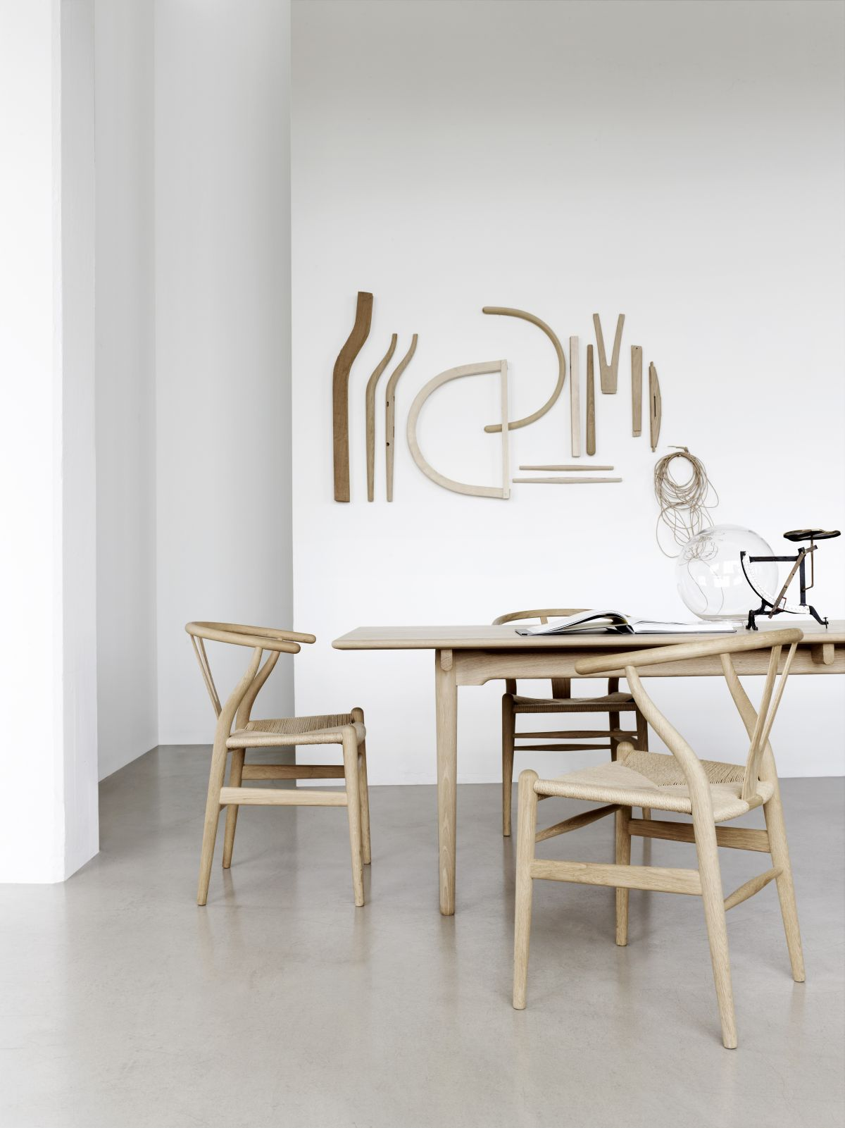 A Closer Look At The Iconic Design The Wishbone Chair