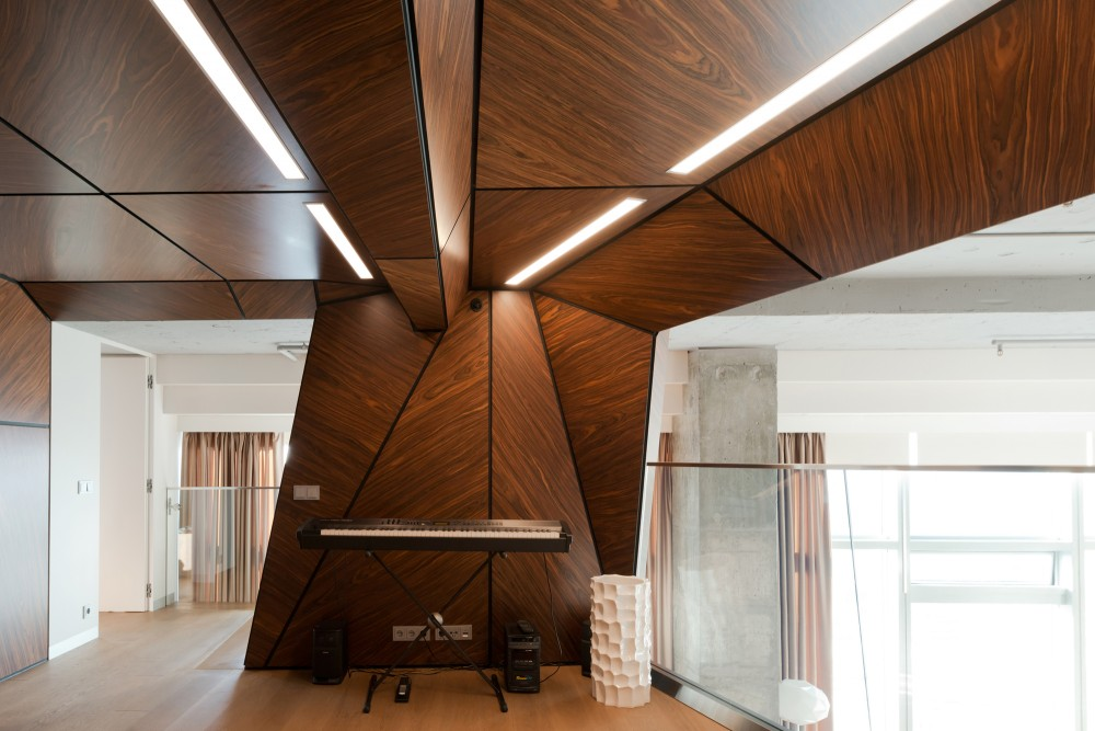 Moscow-penthouse-apartment-music-room