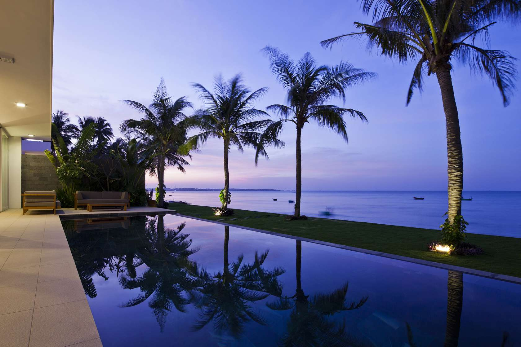 Oceanique-Villas-Vietnam-pool-and-views