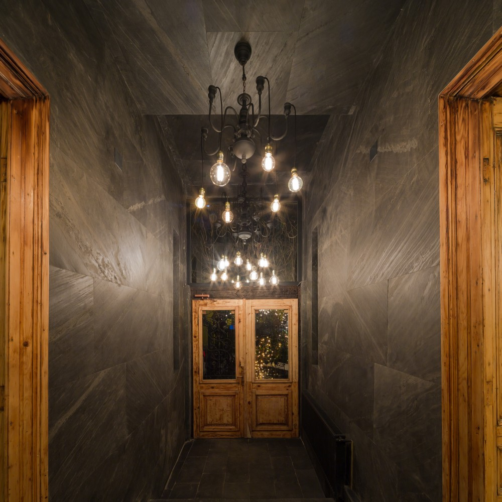 SHIFT-restaurant-slate-hallway2