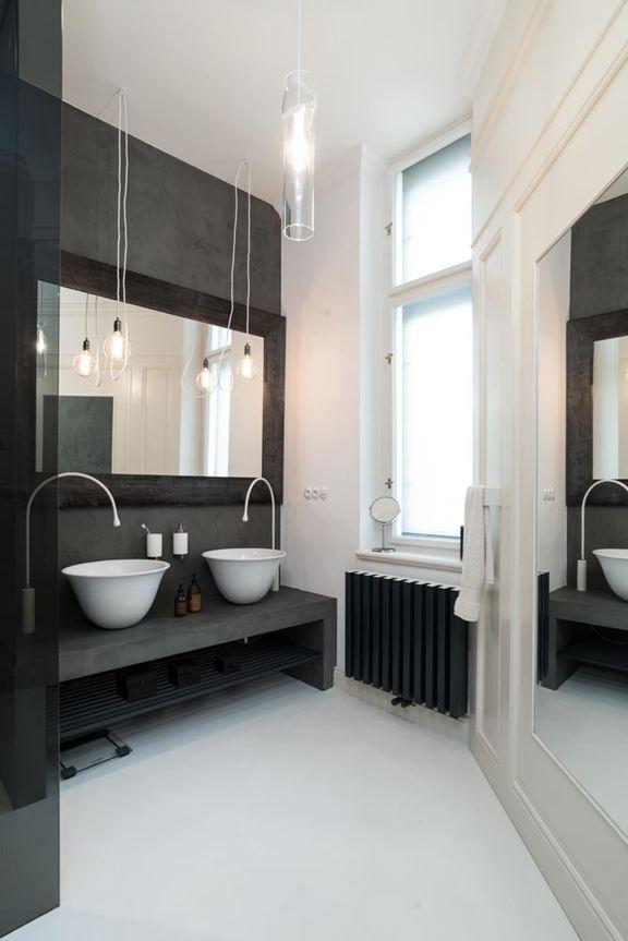 art-nouveau-ap-bathroom-black-radiator
